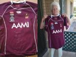 Daphne rewarded for all her hard work her favourite jersey signed by her favourite player Billy Slater